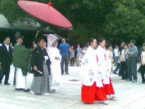 Japanese wedding at meiji jingu
